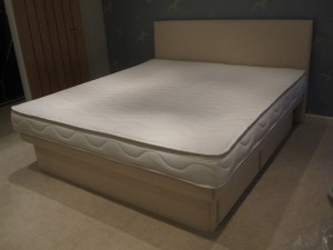 Olympia Deluxe waterbed with headboard